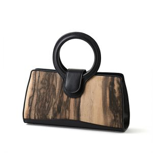 Handbag with ring handle / Black persimmon / black / Width 30.5 × Height 16 × Gusset 7 cm / (Total height approx. 27 cm) / ¥55,000 (including tax) / Design can be made-to-order