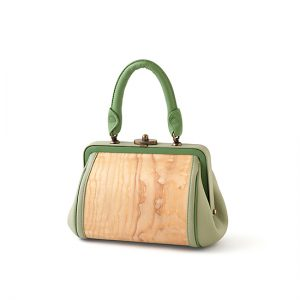 Handbag with purse clasp / Ash burl / green & green / Width 26 × Height 15 × Gusset 14 cm(Total height approx. 27.5 cm) / ¥74,800 (including tax)
