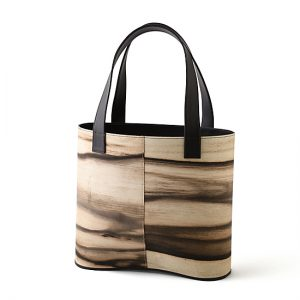 loopbaan tote bag / Black persimmon / Width 33 × Height 29 × Gusset 11.8 cm(Total height approx. 50 cm) / ¥52,800 (including tax)