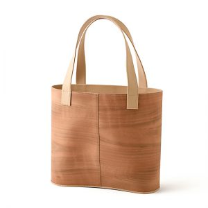 loopbaan tote bag / cherry / Width 33 × Height 29 × Gusset 11.8 cm(Total height approx. 50 cm) / ¥52,800 (including tax)