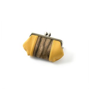 Purse with clasp / Black persimmon / yellow / 12 × 7.7 × thickness 2.8cm / ¥5,500 (including tax)