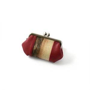 Purse with clasp / Black persimmon / red / 12 × 7.7 × thickness 2.8cm / ¥5,500 (including tax)